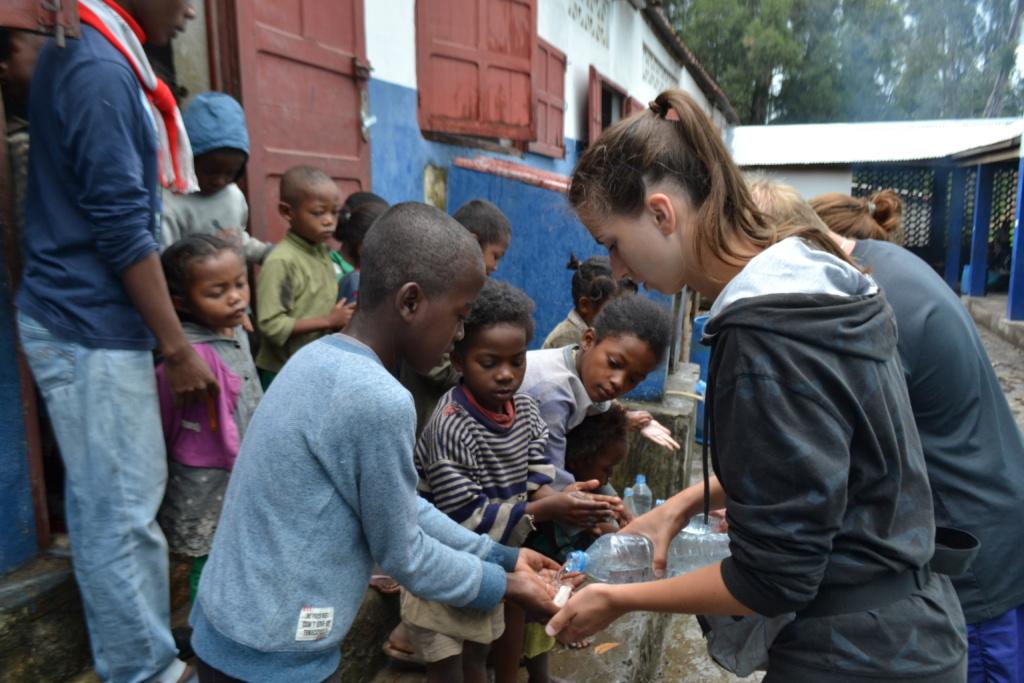 Zajęcia z higieny w szkole na południu Madagaskaru