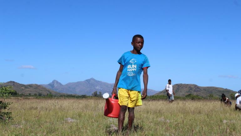 Ile pomieści bidon? Wspomnienia z pracy w szkole na Madagaskarze